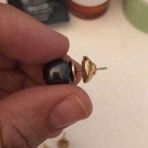 henri bendel Jewelry - Henri Bendel earring
